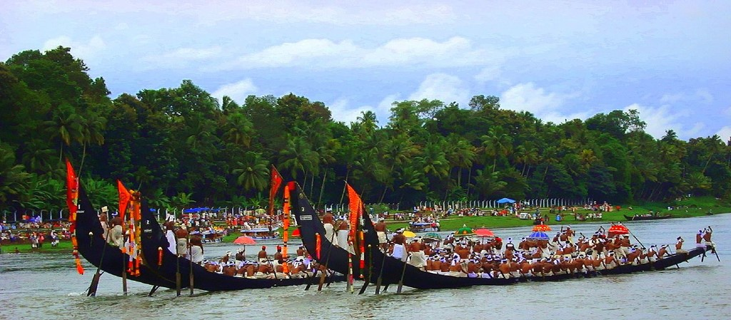 snake boat races | India Kerala Tours | Kerala Moments